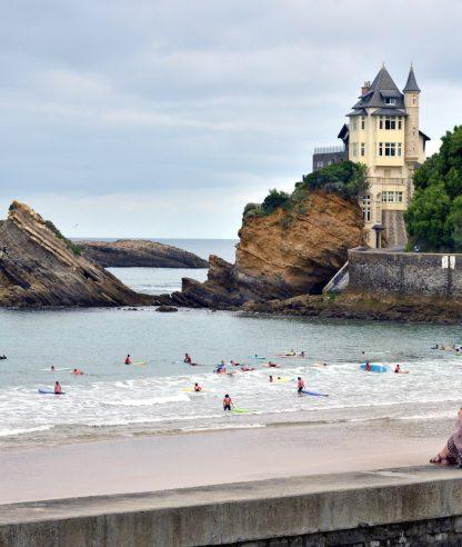 Biarritz. Surf en la playa Côte des Basques y Casa Beltxa. País Vascofrancés. Aquitania. Francia. Foto: Marga Estebaranz