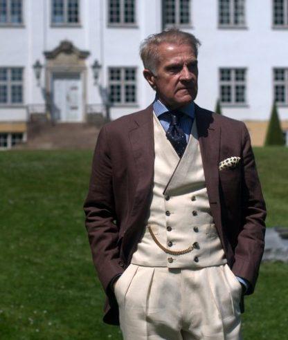 NSM-linen-suit-The-Journal-of-Style-1.jpg